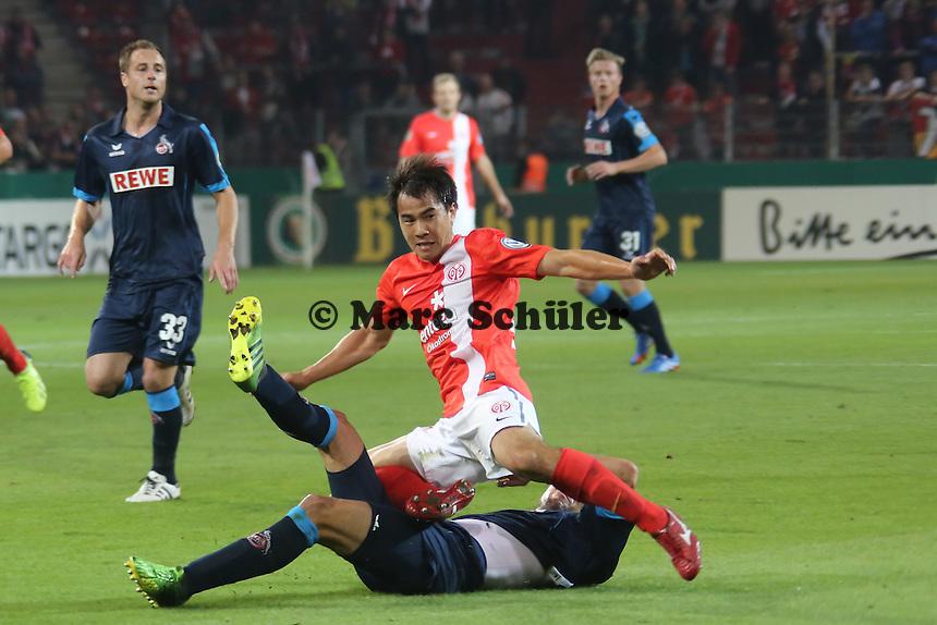 Shinji Okazaki (Mainz) gegen Dominic Maroh (Köln) - 1. FSV Mainz 05 vs. 1. FC Köln, Coface Arena, 2. Runde DFB-Pokal