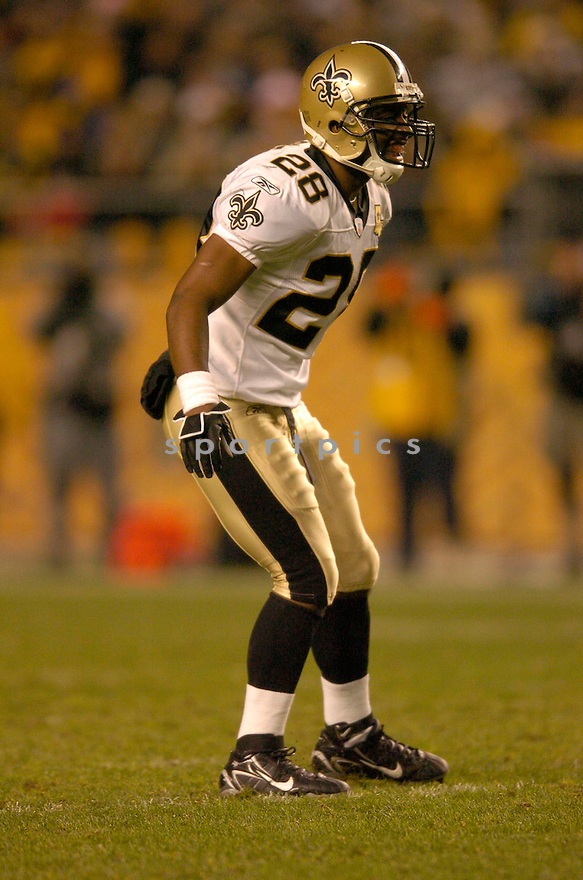 DEJUAN GROCE, of the New Orleans Saints, in action against the Pittsburgh Steeler on November 12, 2006, in Pittsburgh, PA. ..Steelers win 38-31..Chris Bernacchi / SportPics