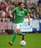 FUSSBALL   1. BUNDESLIGA   SAISON 2011/2012   TESTSPIEL SV Werder Bremen - Olympiakos Piraeus             26.07.2011 Clemens FRITZ (SV Werder Bremen) Einzelaktion am Ball