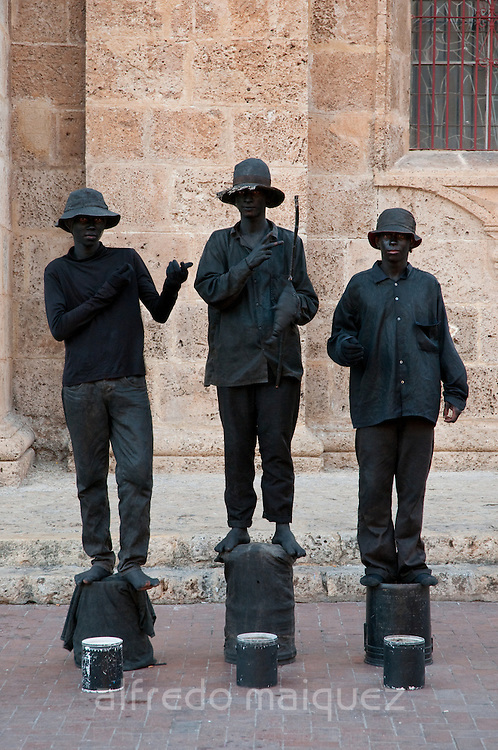 Street statues, Cartagena de Indias, Bolivar Department, Colombia, South America.