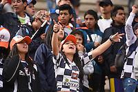 TUNJA -COLOMBIA, 22-05-2016. Hichas del Chico animan a su equipo durante el encuentro entre Boyacá Chicó FC y Independiente Medellín por la fecha 19 Liga Águila I 2016 realizado en el estadio La Independencia en Tunja. / Fans of Chico cheer for their team during a match between Boyaca Chico FC and Independiente Medellin for the date 19 of Aguila League I 2016 played at La Independencia stadium in Tunja. Photo: VizzorImage/César Melgarejo/Cont