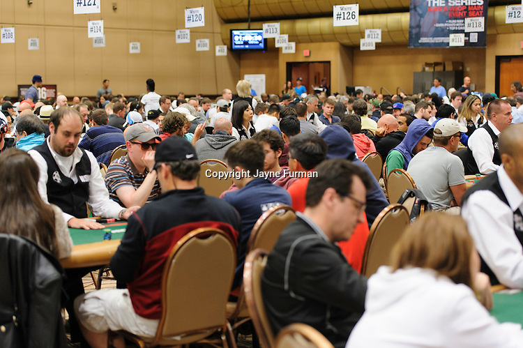 Players pack the Pavilion Room on Day 1c of the Main Event