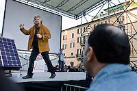 Roma,15 Marzo,2008. Beppe Grillo durante un comizio in Piazza Navona