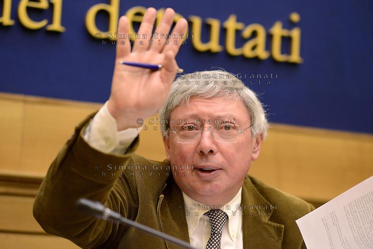 Roma, 4 Marzo 2015.<br />RAI bene comune.<br />Sinistra ecologia e Libert&agrave;e  sinistra PD presentano la proposta di riforma della RAI.<br />Vincenzo Vita .
