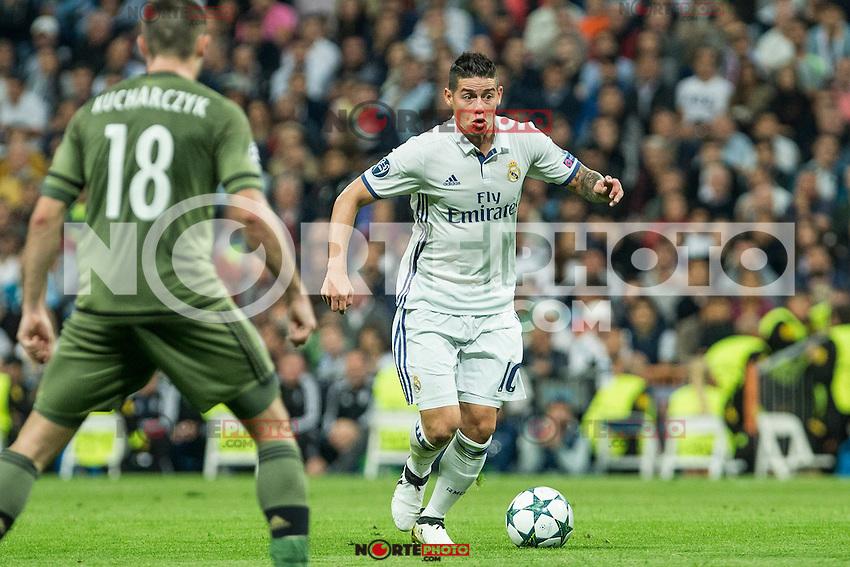 Real Madrid's James Rodriguez during the match of UEFA Champions League group stage between Real Madrid and Legia de Varsovia at Santiago Bernabeu Stadium in Madrid, Spain. October 18, 2016. (ALTERPHOTOS/Rodrigo Jimenez) /NORTEPHOTO.COM