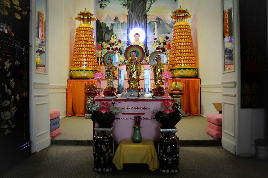 Salle de méditation de la Pagode Linh Son