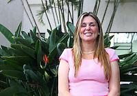 SAO PAULO, SP, 18 JANEIRO 2012 - A Prefeita de Jandira Anabel Sabatine, durante anuncio de investimentos do Fumefi nos municipios de Jandira, Mairipora, Biritiba Mirim, Embu-Guaçu, Cotia e Caieiras no Palacio dos Bandeirantes na regiao sul da capital paulista na tarde dessa quarta-feira, 18. FOTO: MILENE CARDOSO - NEWS FREE.