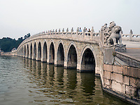Brücke im im Sommerpalast, Yi He Yuan, in Peking, China, Asien, UNESCO-Weltkulturerbe<br /> Bridge in the summerpalace, Yi He Yuan,Beijing, China, Asia, world heritage