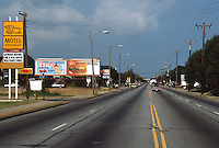 1989 September 03.Conservation.Cottage Line...8TH - 9TH  BAY.LOOKING WEST DOWN EAST OCEAN VIEW AVENUE...NEG#.NRHA#..