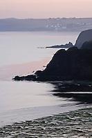 Europe/France/Bretagne/29/Finistère/Douarnenez: La côte  à l'aube vers l'anse du Ris
