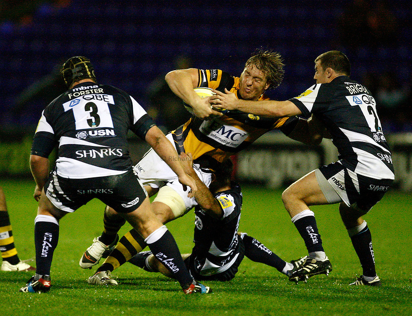 Photo: Richard Lane/Richard Lane Photography. Sale Sharks v London Wasps. Aviva Premiership. 01/10/2010. Wasps' Andy Powell attacks.