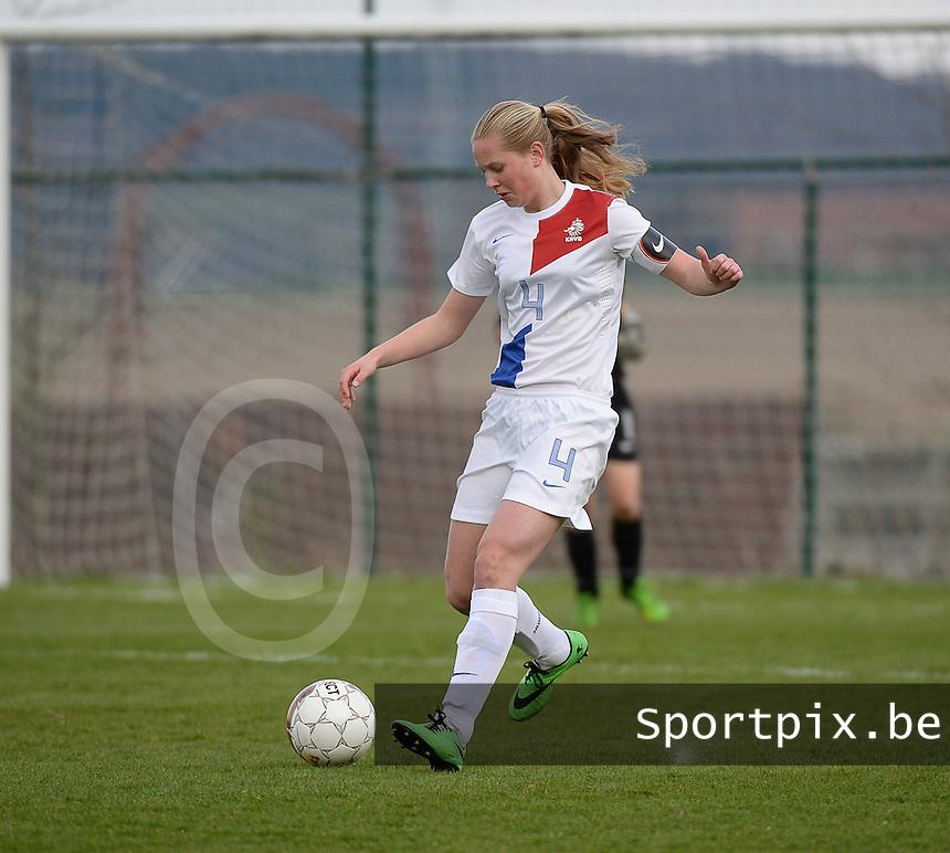 Women U15 : Belgian Red Flames - Nederland :<br /> <br /> Frederique Nieuwland<br /> <br /> foto Dirk Vuylsteke / Nikonpro.be