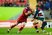 Jonathan Davies of the Scarlets in possession. Heineken Champions Cup match, between Leicester Tigers and the Scarlets on October 19, 2018 at Welford Road in Leicester, England. Photo by: Patrick Khachfe / JMP