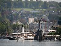 Schaufelraddampfer Hohentwiel vor Konstanzer Hafen, Baden-Württemberg, Deutschland, Europa<br /> paddlesteamer Hohentwiel, port of  Constance, Baden-Württemberg, Germany, Europe