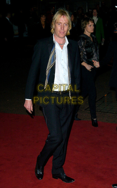 "RHYS IFANS.UK Premiere of ""Elizabeth - The Golden Age"" at the Odeon Leicester Square, London, England..October 23rd 2007.full length black jacket scarf .CAP/CAN.©Can Nguyen/Capital Pictures"