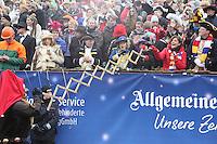 Angriff der Narren auf Ministerpräsidentin Malu Dreyer - Rosenmontagsumzug in Mainz