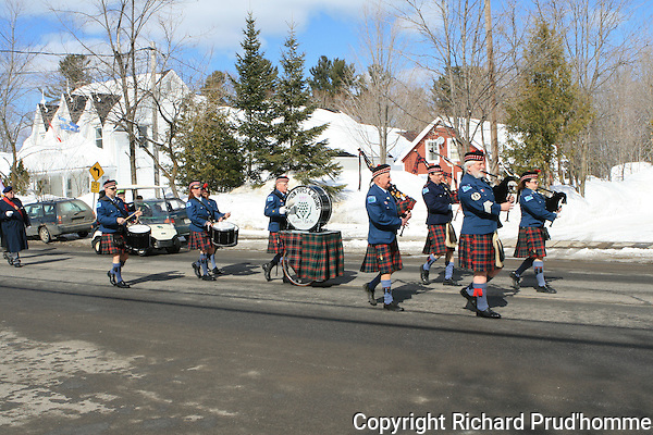 Rawdon pipes and Drums,  Marching in the saint-Patrick's day parade in Rawdon, Sunday March 16th 2008