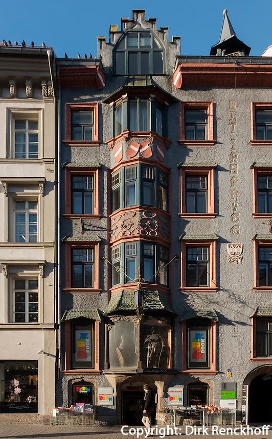 Buchgeschäft im ehemaligen Gasthaus Alt-Insbrugg von 1577, Maria-Theresien-Straße 16, Innsbruck, Tirol, Österreich