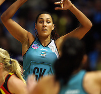 Thunderbirds goalkeep Geva Mentor passes to Natalie Von Bertouch during the ANZ Netball Championship match between the Waikato Bay of Plenty Magic and Adelaide Thunderbirds, Mystery Creek Events Centre, Hamilton, New Zealand on Sunday 19 July 2009. Photo: Dave Lintott / lintottphoto.co.nz