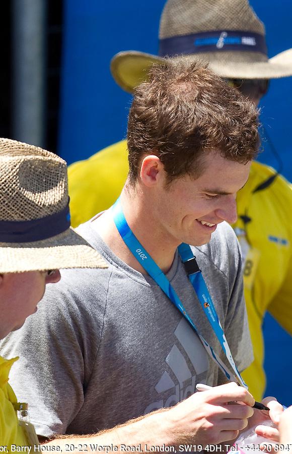 Andy Murray signing autographs after a practice session at Melbourne Park..International Tennis - Australian Open Tennis - Saturday 23 Jan 2010 - Melbourne Park - Melbourne - Australia ..© Frey - AMN Images, 1st Floor, Barry House, 20-22 Worple Road, London, SW19 4DH.Tel - +44 20 8947 0100.mfrey@advantagemedianet.com