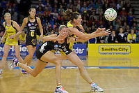 Donna Wilkins in action during the ANZ Championship 2014 - Haier Pulse v Waikato Magic at Te Rauparaha  Arena Centre, Porirua, Wellington, New Zealand on Monday 5 May 2014. <br /> Photo by Masanori Udagawa. <br /> www.photowellington.photoshelter.com.