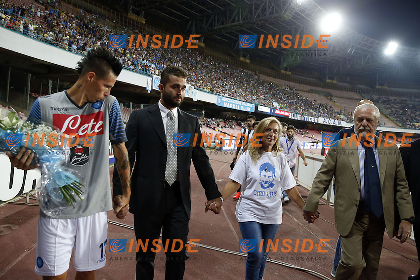 Marek Hamsik, Edoardo De Laurentiis, Antonella Esposito mamma di Ciro il tifoso del Napoli ucciso prima della finale di Coppa Italia Napoli Fiorentina, Aurelio De Laurentiis Napoli .<br /> Antonella Esposito, mother of Ciro, the Naples supporters killed by a gunshot before the Italy cup final on may 2014. <br /> <br /> Napoli 02-08-2014 Stadio San Paolo <br /> Amichevole Calcio 2014/2015 Napoli - Paok Salonicco <br /> Foto Cesare Purini / Insidefoto