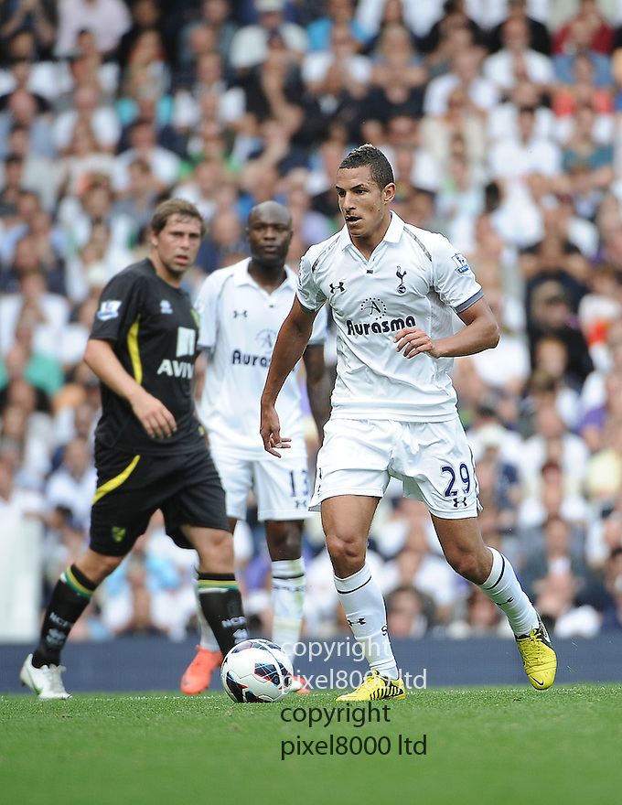 Jake Livermore of Tottenham Hotspur in action during the Barclays Premier League match between Tottenham Hotspur and Norwich City at White Hart Lane on September 1, 2012 in London, England. Picture Zed Jameson/pixel 8000 ltd.