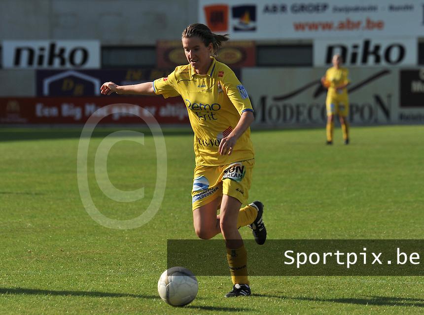 WB Sinaai Girls - WD Lierse SK B : Natalie Vanderstappen.foto Joke Vuylsteke / Vrouwenteam.be