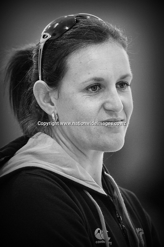 New Zealand's Leana de Bruin at training for the New World netball series test match against Australia, Bishopdale YMCA, Christchurch, New Zealand, Saturday, September 22, 2012. Credit:NINZ / Dianne Manson.