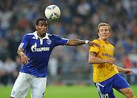 FUSSBALL   EUROPA LEAGUE   SAISON 2011/2012   Play-offs FC Schalke 04 - HJK Helsinki                                25.08.2011 Jefferson FARFAN (li, Schalke) gegen Sebastian SORSA (re, Helsinki)