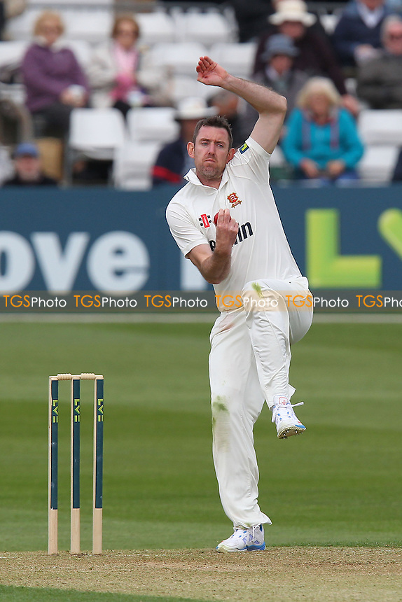 David Masters in bowling action for Essex - Essex CCC vs Hampshire CCC - LV County Championship Division Two Cricket at the Essex County Ground, Chelmsford - 29/04/13 - MANDATORY CREDIT: Gavin Ellis/TGSPHOTO - Self billing applies where appropriate - 0845 094 6026 - contact@tgsphoto.co.uk - NO UNPAID USE.
