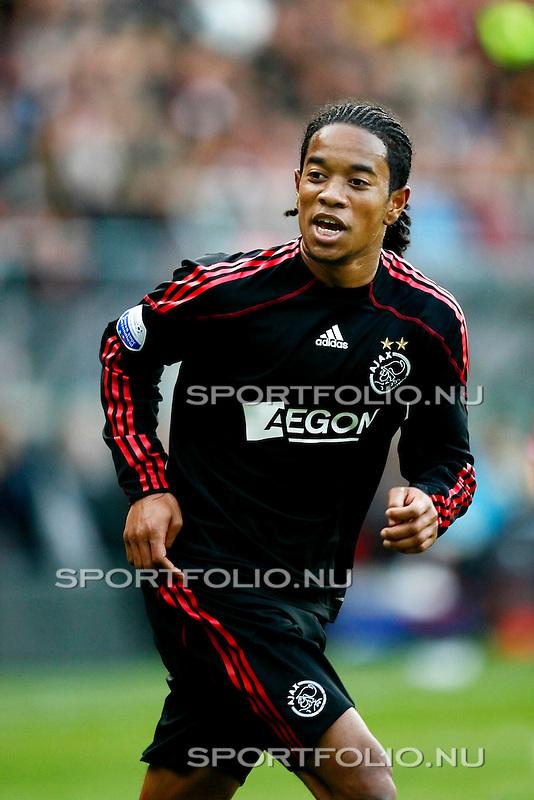 Nederland, Alkmaar, 25 oktober 2009 .Eredivisie.Seizoen 2009/2010.AZ-Ajax (2-4).Urby Emanuelson van Ajax in actie
