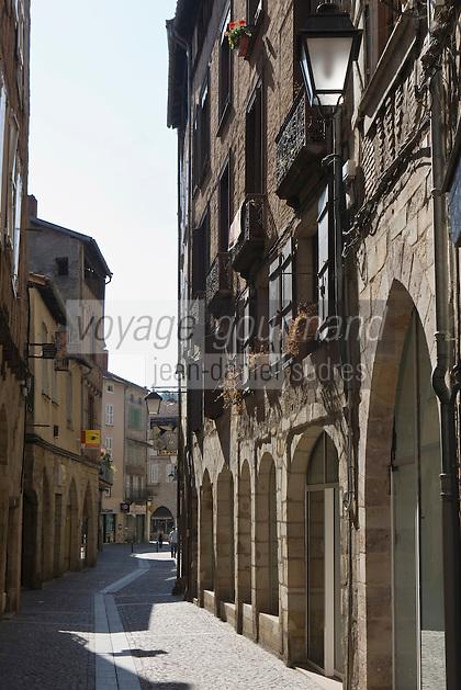 Europe/France/Midi-Pyrénées/46/Lot/Figeac: Rue Gambetta- Arches des vieilles demeures