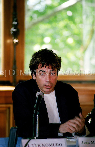 "Press conference for Jean Michel Jarre's ""Rendez-Vous 98 Nuit Electronique concert"" in Paris to celebrate the end of the FIFA Football World Cup in France (France, 25/06/1998)"