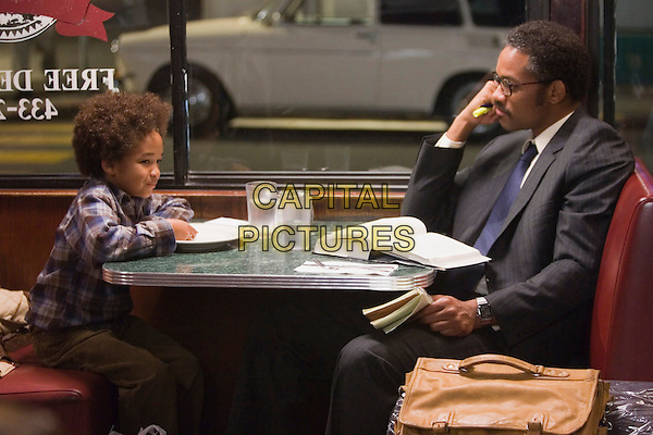 Jaden Christopher Syre Smith & Will Smith .in The Pursuit of Happyness.Happiness.*Filmstill - Editorial Use Only*.CAP/NFS.Supplied by Capital Pictures.