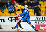 St Johnstone v Motherwell....26.01.11  .Steven Hammell and Dave Mackay.Picture by Graeme Hart..Copyright Perthshire Picture Agency.Tel: 01738 623350  Mobile: 07990 594431