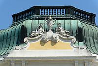 Kaiserpavillon im Tierpark Schönbrunn, Wien, Österreich, UNESCO-Weltkulturerbe<br /> Emperor's pavilion in zoo Schönbrunn, Vienna, Austria, world heritage