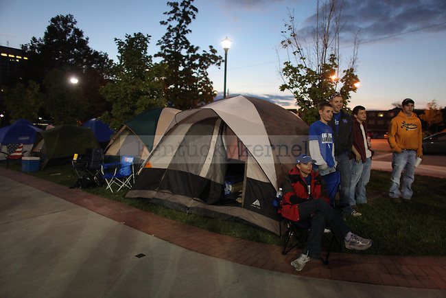 UK Basketball Fans camp out for Big Blue Madness tickets no Thursday, Sept. 30, 2009. Photo by Britney McIntosh | Staff