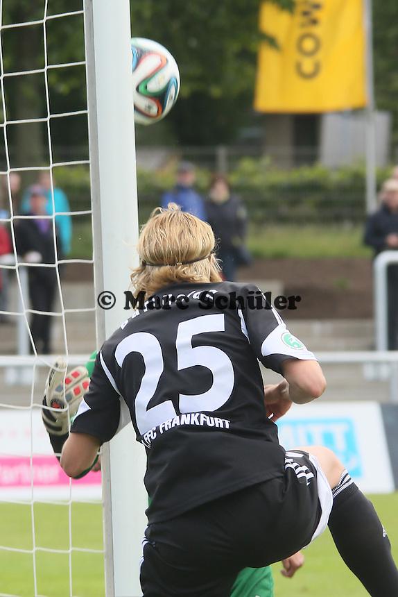 Kopfball Saskia Bartusiak (FFC) - 1. FFC Frankfurt vs. MSV Duisburg