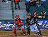 Reddy Acosta pitcher de Mayos y Jose Amador de naranjeros en su turno al bate ante el pitcher Ruddy Acosta, durante partido3 de beisbol entre Naranjeros de Hermosillo vs Mayos de Navojoa. Temporada 2016 2017 de la Liga Mexicana del Pacifico.<br /> © Foto: LuisGutierrez/NORTEPHOTO.COM
