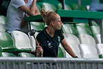 Reservebank Werder, Laura Kersting (Physiotherapeutin SV Werder Bremen) als Trommlerin<br /> <br /> <br /> Sport: nphgm001: Fussball: 1. Bundesliga: Saison 19/20: 34. Spieltag: SV Werder Bremen vs 1.FC Koeln  27.06.2020<br /> <br /> Foto: gumzmedia/nordphoto/POOL <br /> <br /> DFL regulations prohibit any use of photographs as image sequences and/or quasi-video.<br /> EDITORIAL USE ONLY<br /> National and international News-Agencies OUT.
