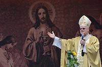 SAO PAULO, SP, 30 DE MAIO DE 2013 - CELEBRACAO CORPUS CHRISTI - O Arcebispo Dom Odilo durante celebração da missa de Corpus Christi, na Praça da Sé, região central da capital, na manhã desta quinta feira, 30.  (FOTO: ALEXANDRE MOREIRA / BRAZIL PHOTO PRESS)