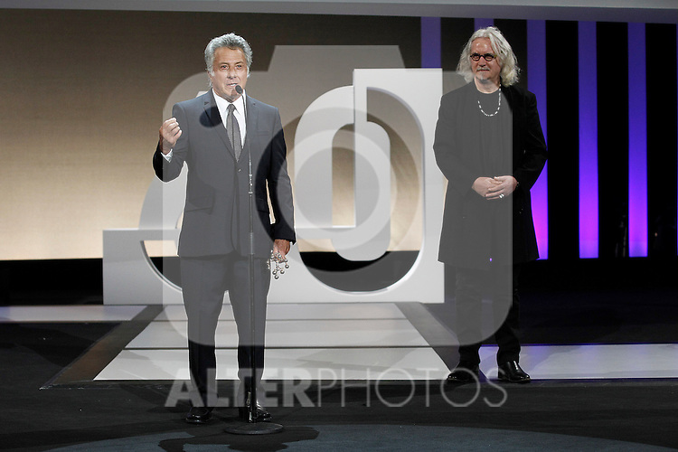 Dustin Hoffman receives the Special 60th Donosti Award in presence of the actor Billy Connolly (r) during the 60th San Sebastian Donostia International Film Festival - Zinemaldia.September 29,2012.(ALTERPHOTOS/ALFAQUI/Acero)