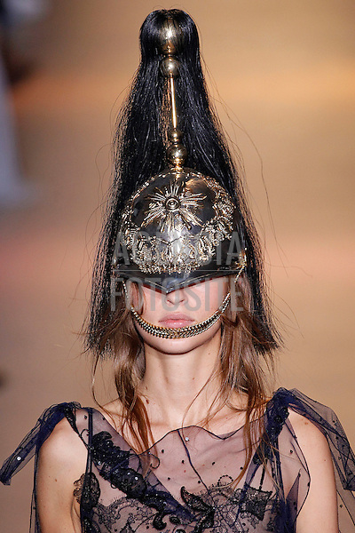 John Galliano<br /> <br /> Paris -  Verao 2016