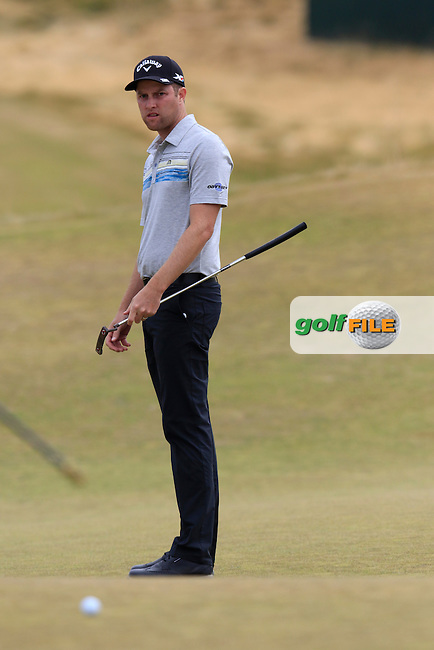 Chris KIRK (USA) putts on the 17th green during Thursday's Round 1 of the 2015 U.S. Open 115th National Championship held at Chambers Bay, Seattle, Washington, USA. 6/18/2015.<br /> Picture: Golffile | Eoin Clarke<br /> <br /> <br /> <br /> <br /> All photo usage must carry mandatory copyright credit (&copy; Golffile | Eoin Clarke)