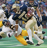 Pittsburgh running back Kevan Barlow runs for 272 yards against WVU on November 25, 2000.