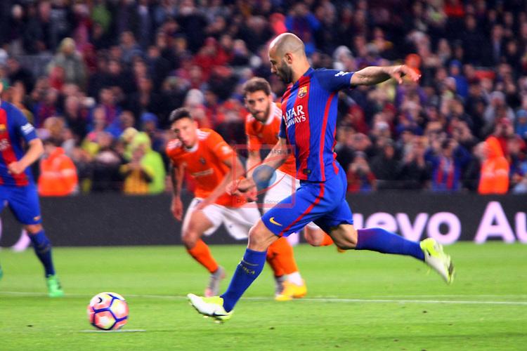 League Santander 2016/2017. Game: 34.<br /> FC Barcelona vs CA Osasuna: 7-1.<br /> Javier Mascherano.