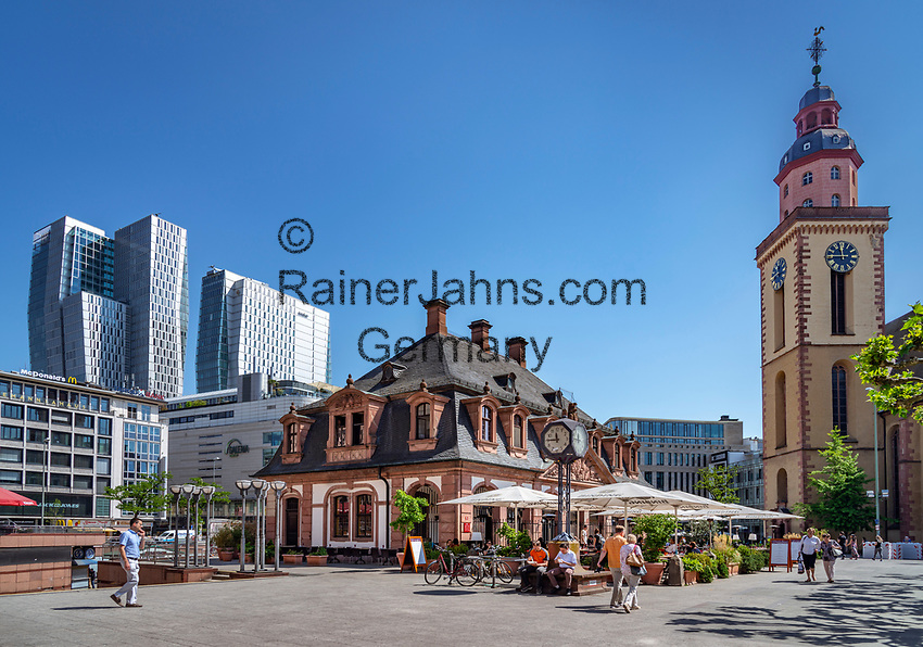 Germany, Hesse, Frankfurt on the Main: The Hauptwache (Main Guardroom) with Café Hauptwache, church St Catherine and Hotel Jumeirah Frankfurt | Deutschland, Hessen, Frankfurt am Main: die Hauptwache mit dem Café Hauptwache, die St. Katharinenkirche und das Hotel Jumeirah Frankfurt