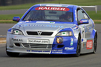 Round 10 of the 2002 British Touring Car Championship. #17 Tom Chilton (GBR). Barwell Motorsport. Vauxhall Astra Coupé.