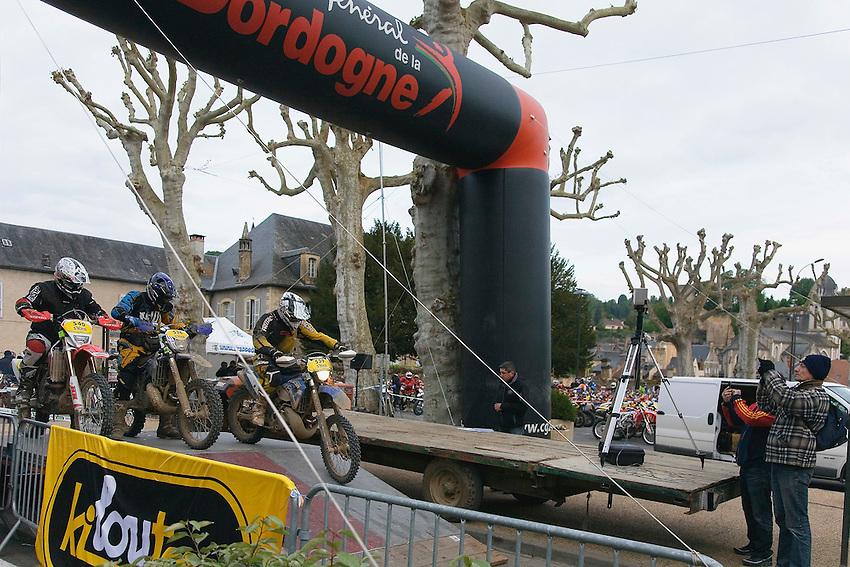 Départ de Montignac, le dimanche 20 avril 2014
